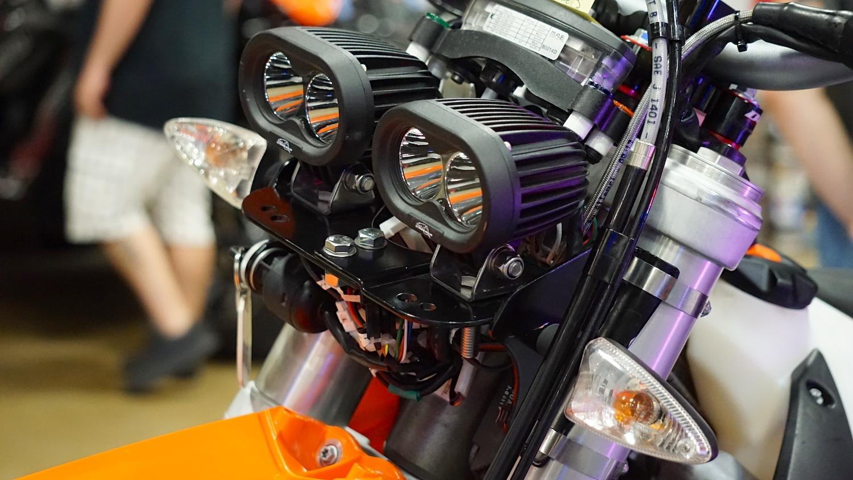 Enduro Cross Dual Sport Off-Road Streetfighter Dirtbike